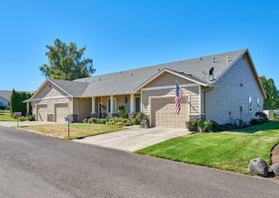 Marion County, Oregon Senior retirement home - duplexes, condos, live in care -Redwood-Ct-Triplexes